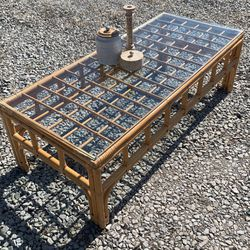 Gorgeous Rattan Wicker Coffee Table for Sale in Coraopolis,  PA