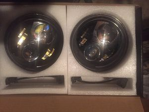 """Pair of black led projector headlights 7"""" inch round for Sale in Los Angeles, CA"""