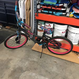 20 inch monster high girls BMX bike for Sale in Banning, CA