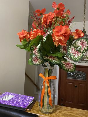 Flores artificiales $15-$20-$30 for Sale in Aspen Hill, MD
