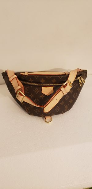 Louis Vuitton waist bag for Sale in Silver Spring, MD