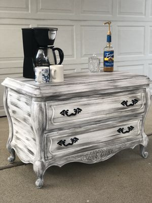 Coffee bar / end table for Sale in Rancho Cucamonga, CA