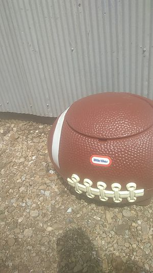 Vintage tail gate cooler or toy box for Sale in Tullahoma, TN
