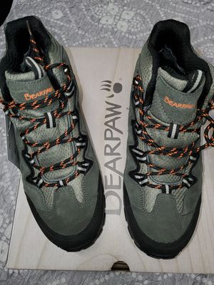 Men's Bearpaw Boots/Shoe's size 10.5 WATERPROOF NEW for Sale in Renton, WA
