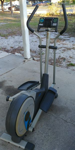Used elliptical machine $350 or best offer for Sale in Eagle Lake, FL