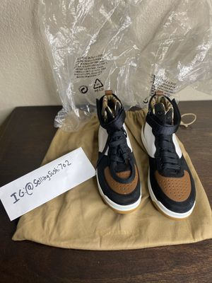 brand new burberry sneakers for Sale in Las Vegas, NV