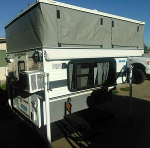 2003 FWC Hawk Camper for Sale in San Bernardino, CA