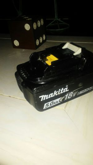 Makita 5.0 lithium 18v battery (cordless power tools) for Sale in Cape Coral, FL