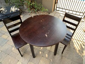 KIDS WOOD PLAY TABLE WITH 2 CHAIRS for Sale in Monrovia, CA