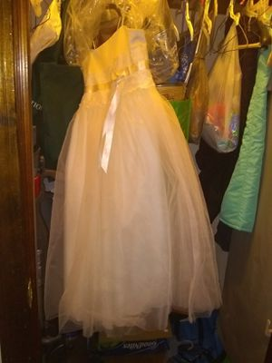 David's bridal flower girl dress for Sale in North Attleborough, MA