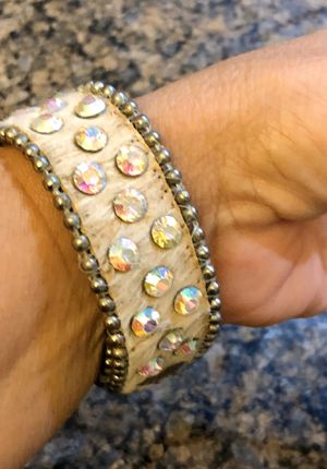 Gorgeous Guang Tong tan cowhide leather bracelet with multicolor Swarovski crystals. Fits 8-81/2. for Sale in Tolleson, AZ