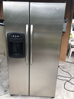Maytag nevera Refrigerator refrigerador fridge stainless steel side by side 36x69x33 good condition for Sale in Hialeah, FL
