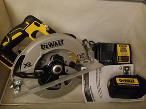Dewal 20 V Max Brushless XR Circular Saw combo for Sale in Fort Worth, TX