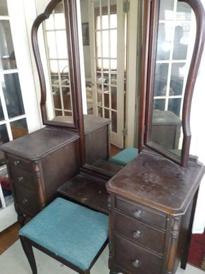 Antique vanity cabinet with three way mirror and bench for Sale in Saugus, MA