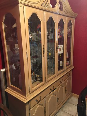 Kitchen table and hutch for Sale in Alameda, CA