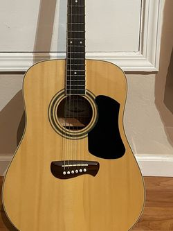 Olympia OD-10S By Tacoma Full Size Acoustic Guitar Condition like new for Sale in Fremont,  CA