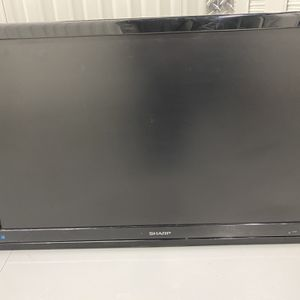 Large Sharp Smart Tv for Sale in Wilmington Manor, DE