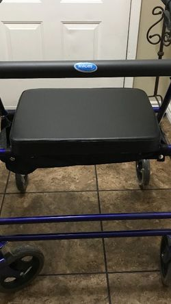 Brand New Rollator /Walker Holds Up To 500lbs Seat Is Bigger for Sale in Phoenix,  AZ
