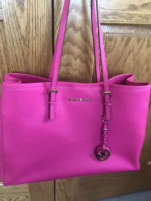 Michael Kors Pink Tote Bag for Sale in Roselle, IL
