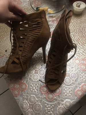 Brand new camel heels with lace for Sale in Ontario, CA