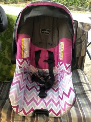 Baby car seat no base for Sale in Fresno, CA