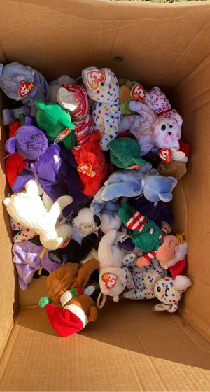 Box of stuffed animals for Sale in Houston Farms, TX