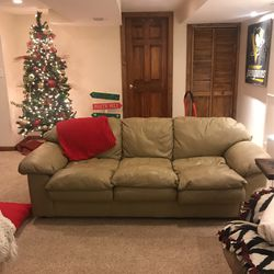 Leather Couch for Sale in Butler,  PA
