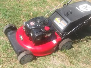 Yard Machines Lawn Mower 140cc for Sale in Fontana, CA