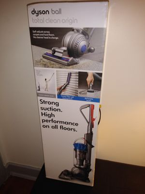 Dyson ball vacum for Sale in Santa Fe Springs, CA