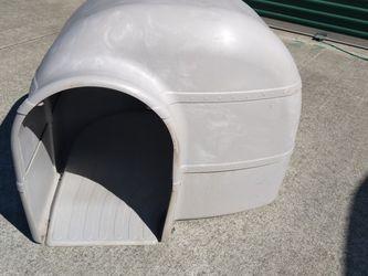 Like New Igloo Dog House for Sale in San Jose,  CA