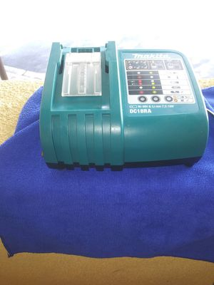 Makita battery charger for Sale in Lincoln Acres, CA