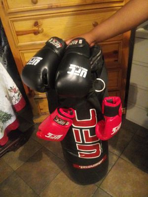 Punching bag for Sale in Phoenix, AZ