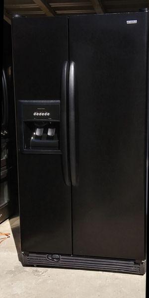 Kenmore Black Side By Side Refrigerator for Sale in Bakersfield, CA