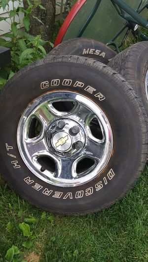 3 SETS OF CHEVY TRUCK 6 BULT RIMS for Sale in Parma, OH