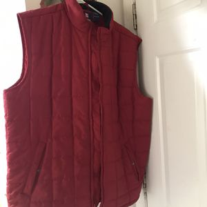 Men's Red Chaps Puffer Vest for Sale in Fairless Hills, PA