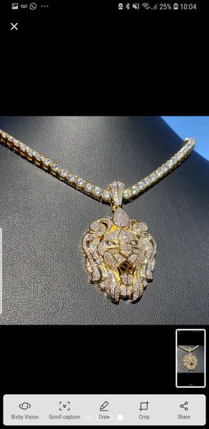 14K GOLD PLATED ICED OUT CHAIN for Sale in New York, NY
