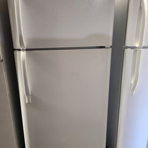 refrigerator top freezer fridge for Sale in North Tustin, CA