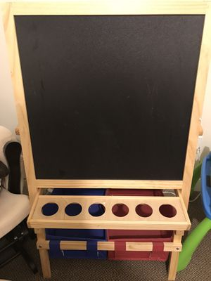 Child's Easel with paint cups and Smock for Sale in Reston, VA