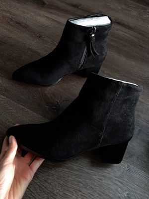New women heel boots size 7 for Sale in Moreno Valley, CA