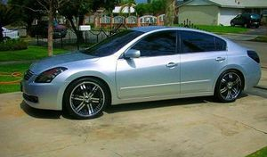 2OO8 Nissan Altima price $1000 for Sale in Sunnyvale, CA