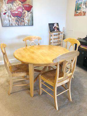 Dining set 5 pieces solid wood for Sale in Rockville, MD