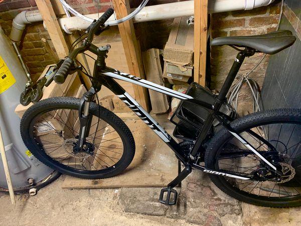 Giant btx mountain bike