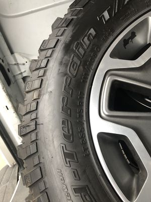 Tires and wheels Jeep Rubicon for Sale in Allen Park, MI