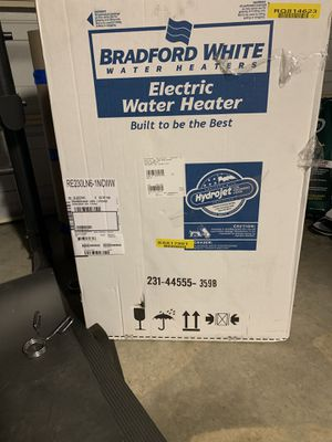 Bradford white electric water heater for Sale in Los Angeles, CA