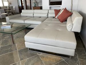 Large modern leather style sectional with adjustable back rests for Sale in Pompano Beach, FL