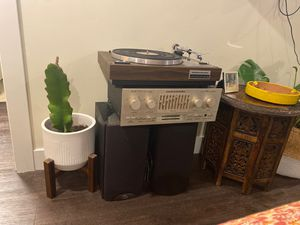 Working vintage Marantz record player and amplifier with (2) klipsch speakers for Sale in Encinitas, CA