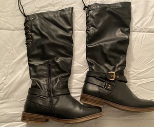 Faux leather woman's boots size 9 for Sale in Chicago, IL