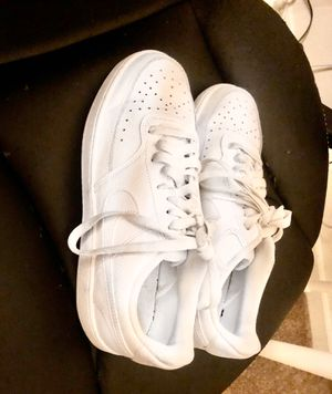 WHITE NIKE'S GREAT CONDITION (MAKE OFFER) for Sale in Brentwood, CA