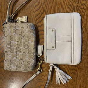 Coach Wristlets: Gold & Off White for Sale in Fort Lauderdale, FL