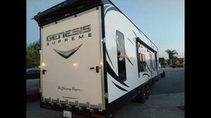 ****trailer transport**** fifth wheel gooseneck for Sale in Moreno Valley, CA